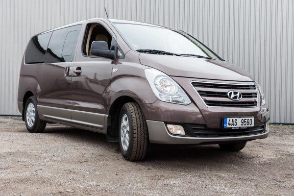 Hyundai H1 – 8 míst